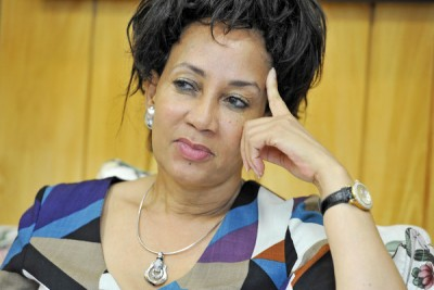 Sisulu calls for a suspension of evictions