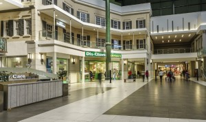 Upgraded_Court_Area_in_Lakeside_Mall